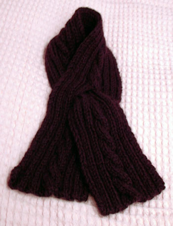 Cabled buttonhole scarf